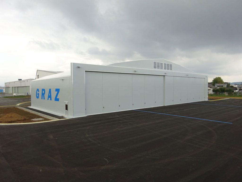 Letalski hangar za garažiranje