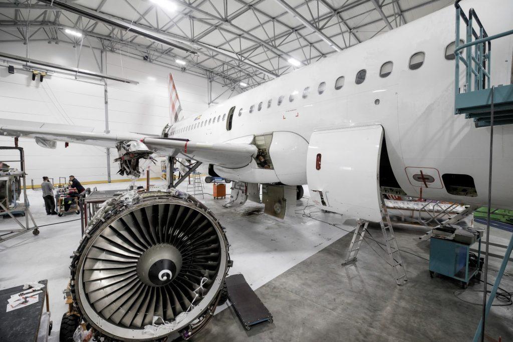 letalski hangar za servisiranje letal Adria Tehnika