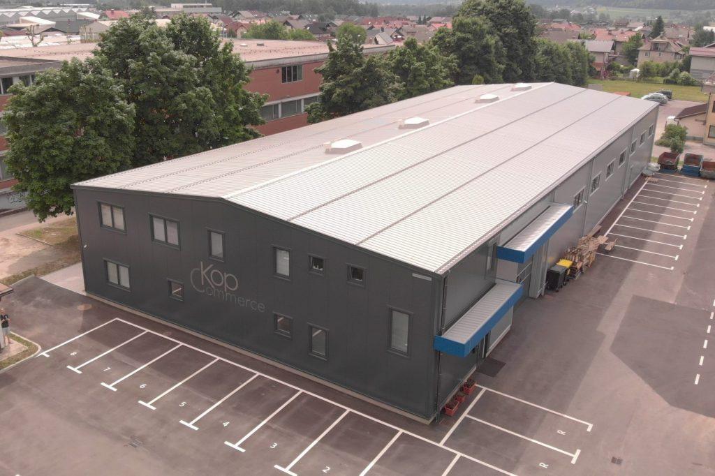 Večnamenska hala za proizvodnjo in pisarne