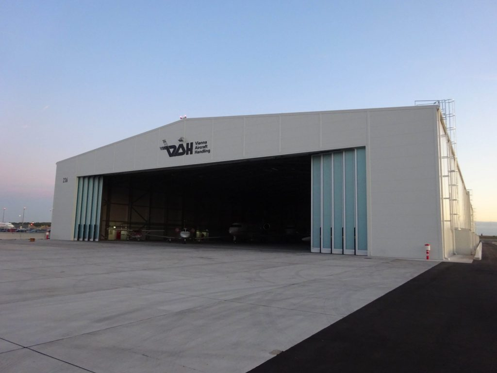 letalski hangar za garažiranje na letališču Dunaj