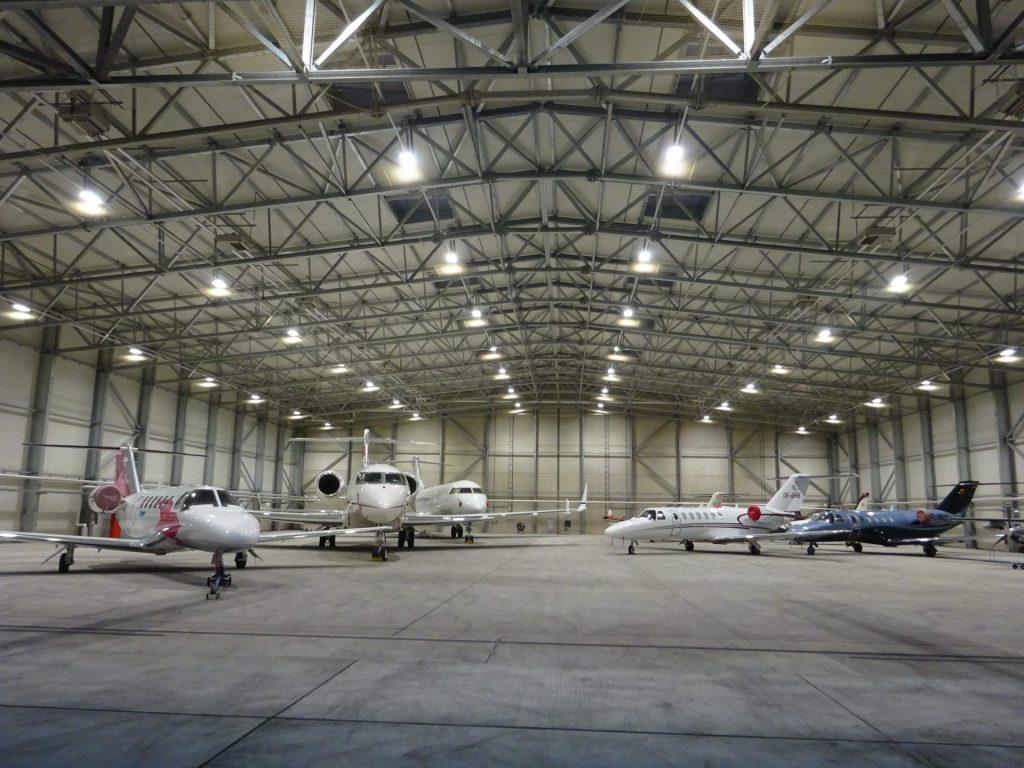 Twin aircraft hangar